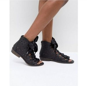 Free People Palms laser cut star ankle boots 41